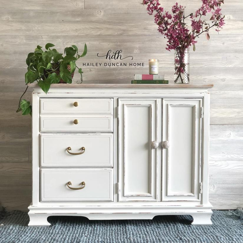 Small white painted buffet or cabinet
